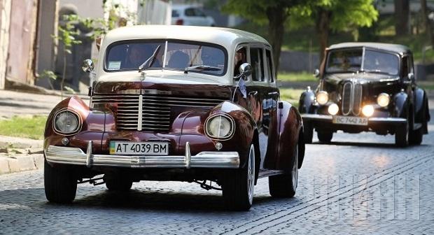 Фото ретро-автомобілей